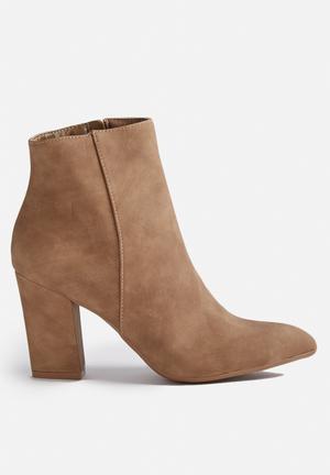 Billini Shea Boots Taupe