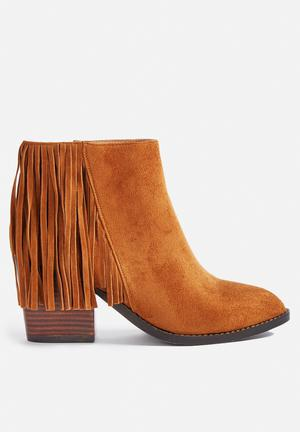 Billini Gail Boots Tan