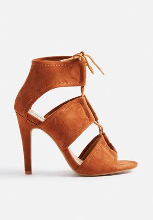 Billini Orto Heels Tan