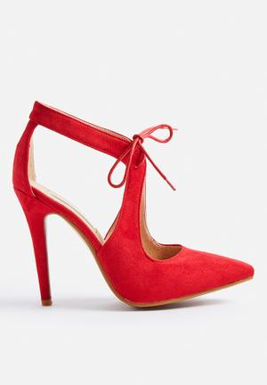 Billini Trump Heels Red