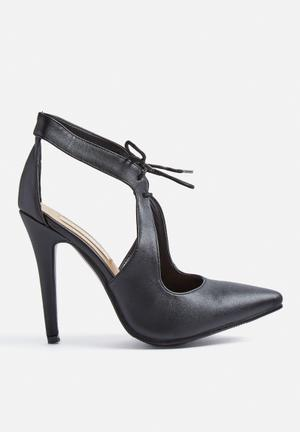 Billini Trump Heels Black