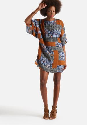 Glamorous Mixed Print Dress Casual Blue & Orange