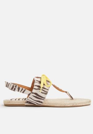 ONLY Myla Sandals & Flip Flops Beige, Brown & Yellow