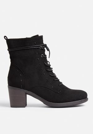 Madison® Alden Boots Black