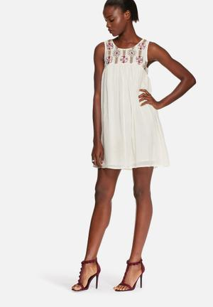 Glamorous Flared Embroidered Dress Casual Cream