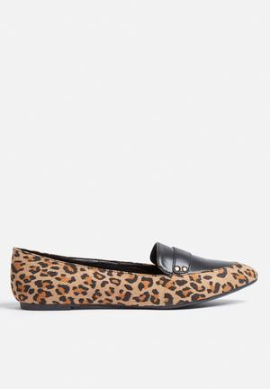 Madison® Jess Pumps & Flats Black & Leopard Print