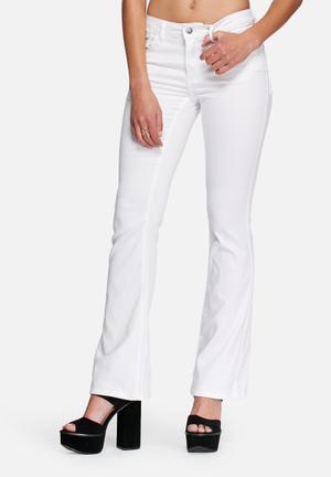 VILA Calm Flare Jeans Bright White