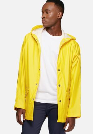 ADPT. Distance Rain Jacket Bright Yellow