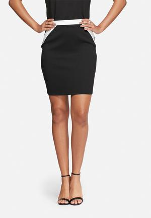 Vero Moda Amy Skirt Black & White