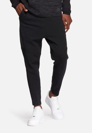 Nike Tech Fleece Cropped Pants Sweatpants & Shorts Black