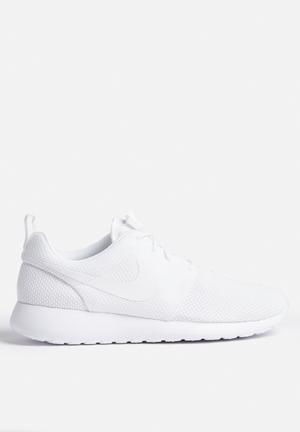 Nike Roshe One Sneakers White / White