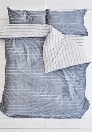 Cotton Cloud Pin Stripes Duvet Set Bedding 100% Cotton & 500 Thread Count