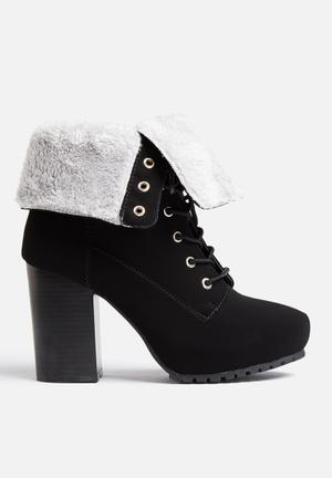Qupid Sotto Boots Black