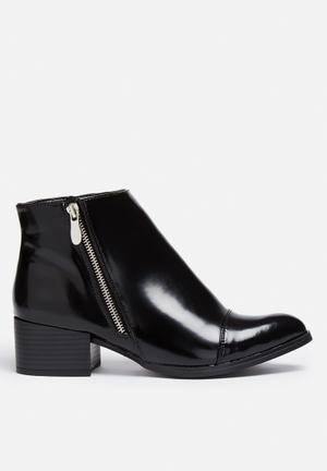Qupid Wasco Boots Black