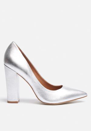 Steve Madden Primpy Heels Silver