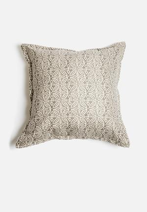 Grey Gardens Circles Cushion Polyester & Cotton Mix