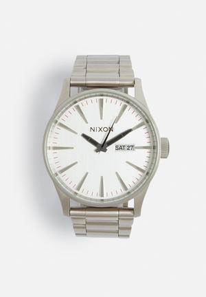 Nixon Sentry SS Watches Silver