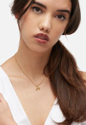Bennt Thick Curve Necklace Jewellery Gold