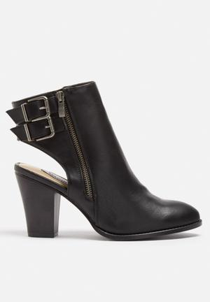 Madison® Daniella Boots Black