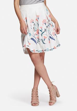 Vero Moda Elvira Embroidered Skirt White