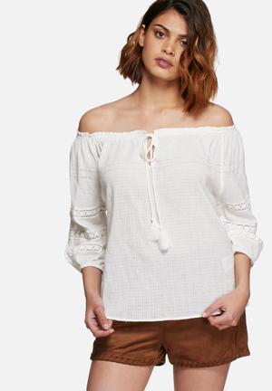 Vero Moda Lisa Off Shoulder Top Blouses White