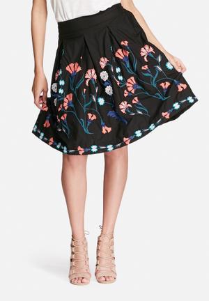 Vero Moda Elvira Embroidered Skirt Black