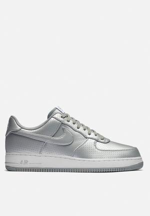 Nike Air Force 1 '07 LV8 Sneakers Metallic Silver / White