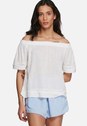 Vero Moda Aditi Off Shoulder Top Blouses White