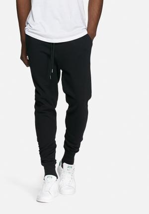 Basicthread Slim Sweat Pants Sweatpants & Shorts Black