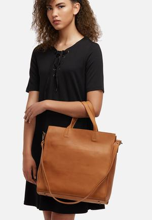 Director leather tote