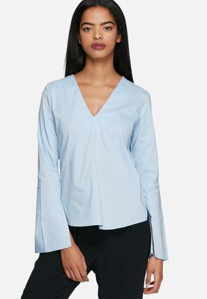Dailyfriday Woven Fluted Sleeve Top Blouses Blue