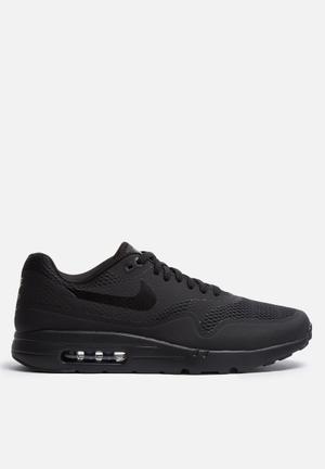 Nike Air Max 1 Ultra Essential Sneakers Black / Black