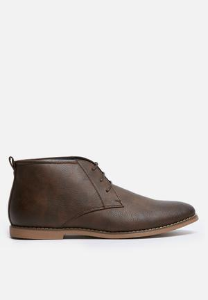 Uncut Moray Boots Brown