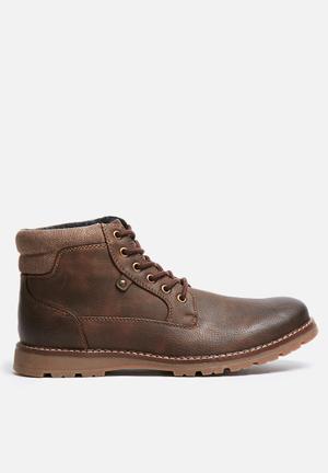Uncut Napier Boots Brown
