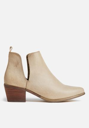 Therapy Fenway Boots Taupe