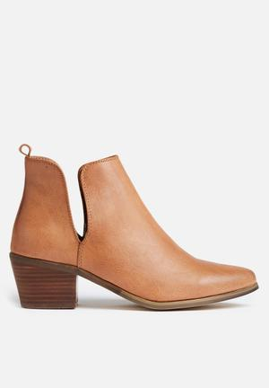Therapy Fenway Boots Tan