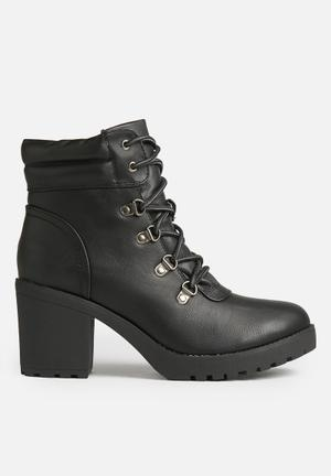 Therapy Louis Boots Black