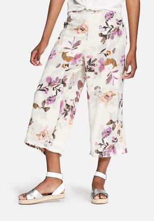 Vero Moda Wanda Culottes Trousers White, Purple & Green