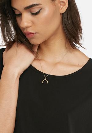Matter Of Fakt Crescent Pendant Chain Jewellery Gold