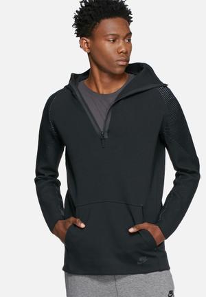 Nike Tech Fleece Hoodie Hoodies & Sweatshirts Black