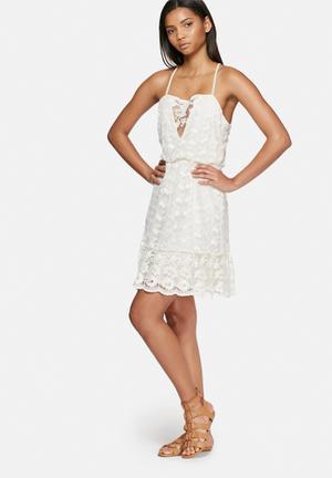 Honey lace dress