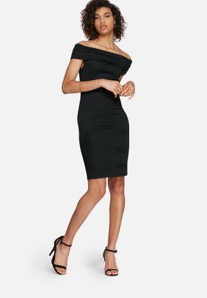 Bardot off-shoulder dress