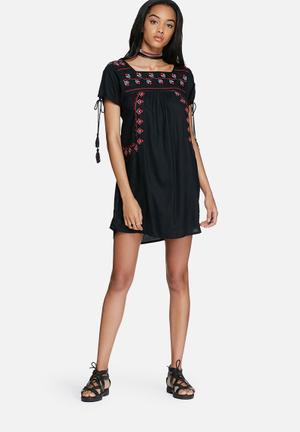 Glamorous Embroidered Dress Casual Black, Red & Green