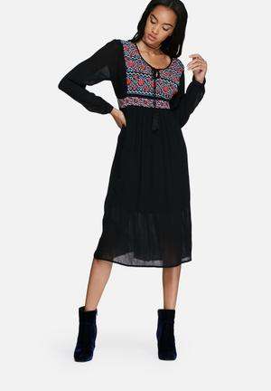 Glamorous Embroidered Front Empire Dress Casual Black, Red & Blue