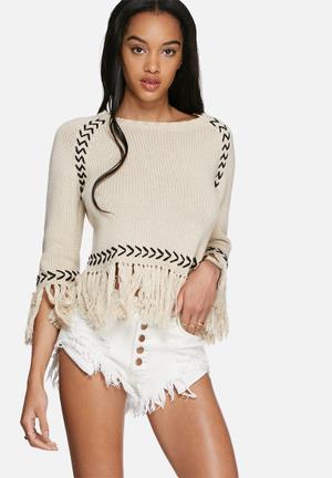 Glamorous Fringed Hem Crop Top Knitwear Beige