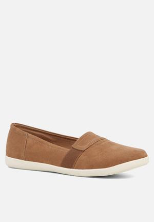 Call It Spring Chatam Pumps & Flats Tan