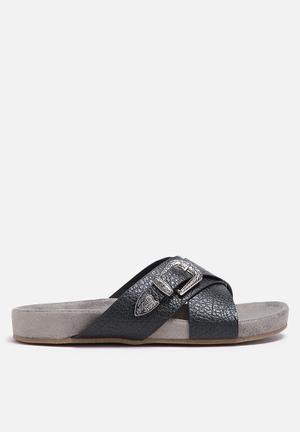 Zoom Beatrice Sandals & Flip Flops Black & Grey