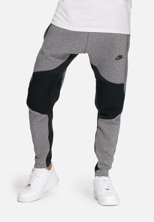 Nike Tech Fleece Pants Sweatpants & Shorts Grey & Black