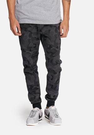 Nike Tech Fleece Skinny Joggers Sweatpants & Shorts Black & Grey