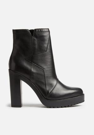 Diesel  D-Aless Boots Black